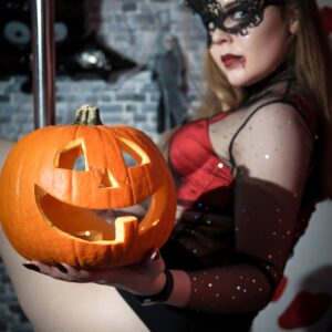 Halloween Exotic Pole Dance